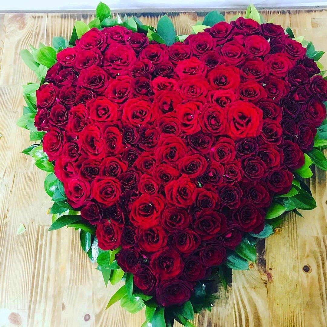 150 gülden kalp masa çiçeği