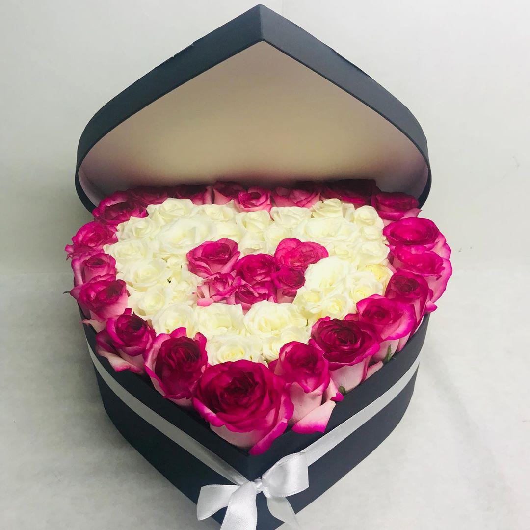 Kalp kutuda 101 pembe beyaz gül