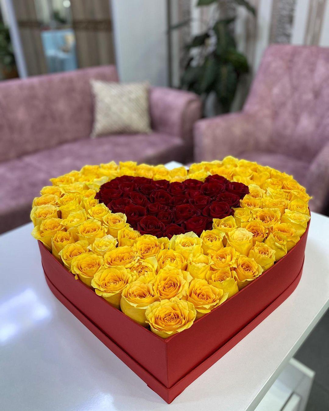 Kalp kutuda 200 Sarı kırmızı gül