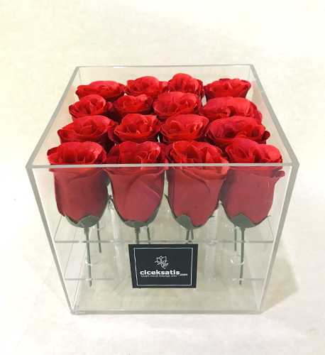 Şeffaf Kutuda Yapay Kırmızı Güller